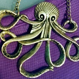 Octopus Vulgaris Vintage Gold Tone Pendant
